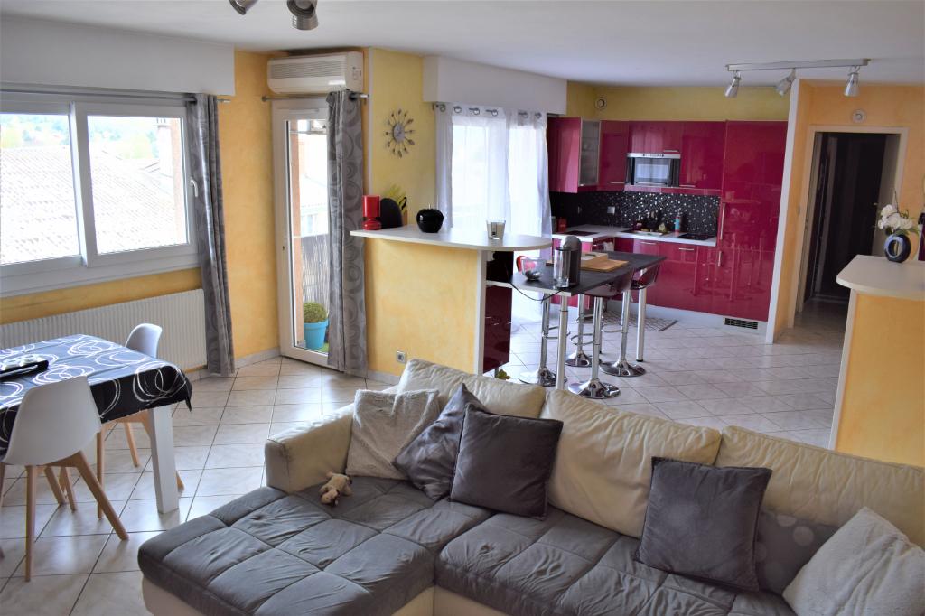 LAGNIEU - Appartement T3 de 71 m² avec parking couvert