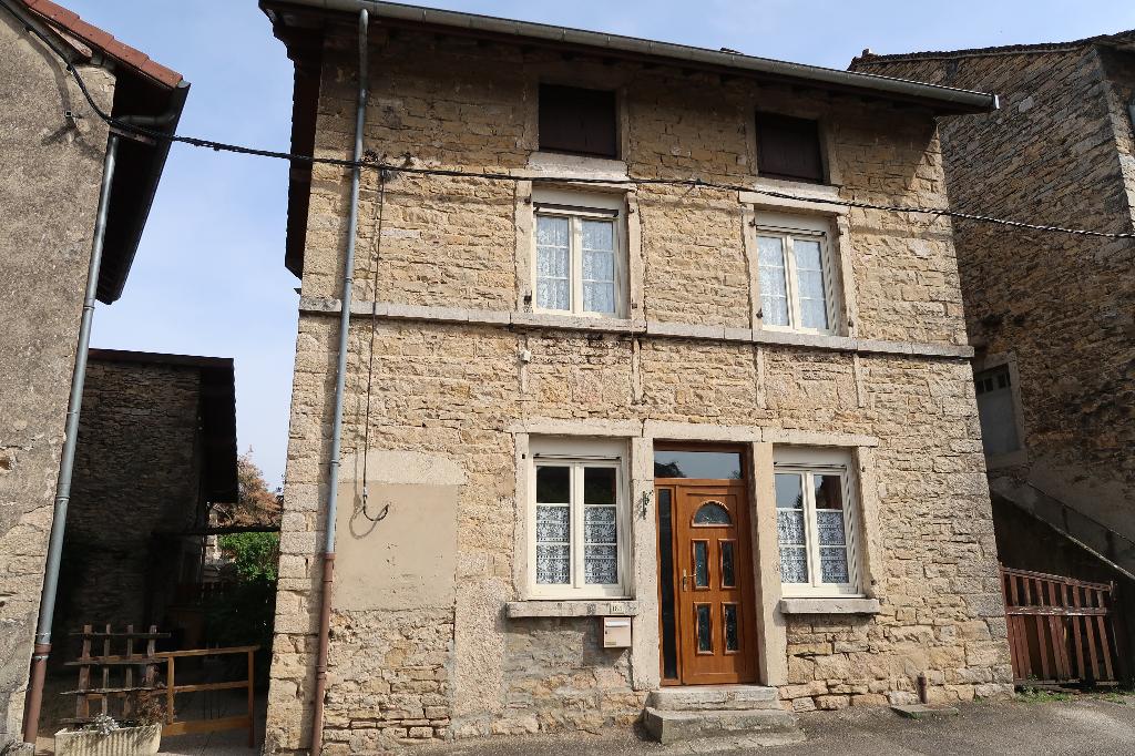 3 min LAGNIEU - Maison de village T4 de 115 m²