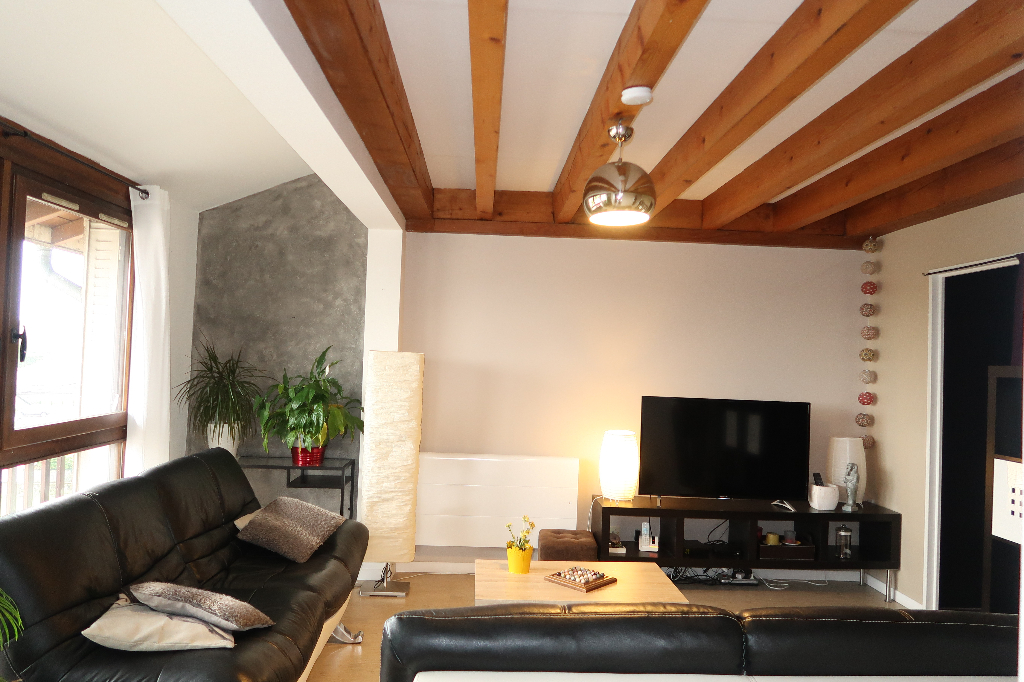 A 2 min d'AMBERIEU - EN-BUGEY - Appart T4 duplex de 75 m²