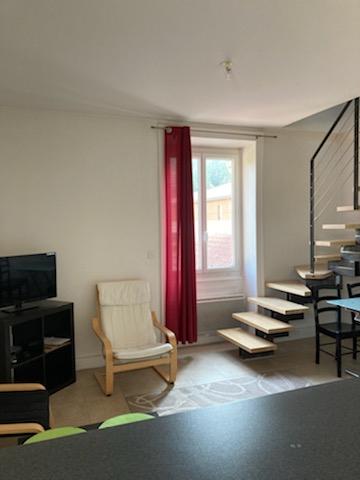 LAGNIEU - T3 MEUBLE de 45 m²