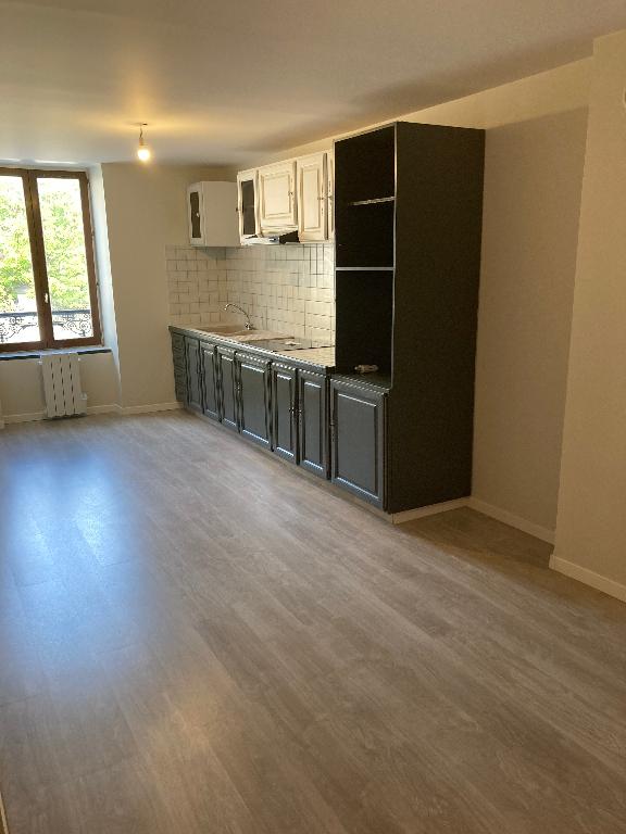 A 5 min d'Ambérieu en Bugey - Appartement T4 duplex de 81,56 m² avec cave
