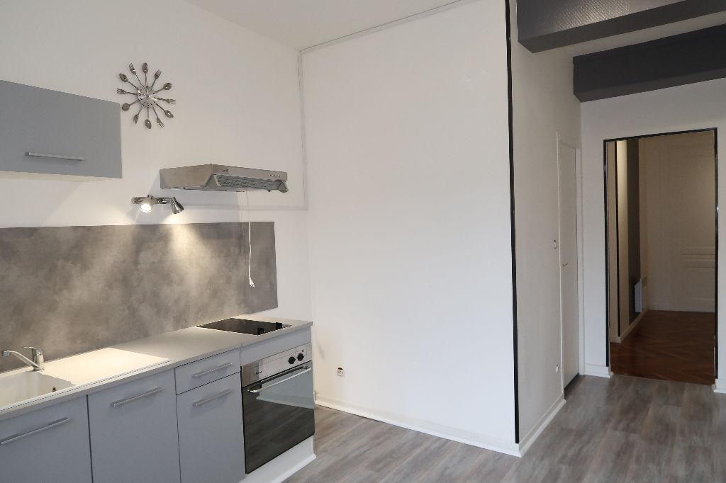 LAGNIEU - Joli T2 de 45 m²