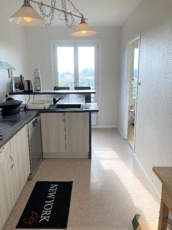 LAGNIEU - Appartement T4 Bis de 97,64 m² avec terrasse, garage et cave