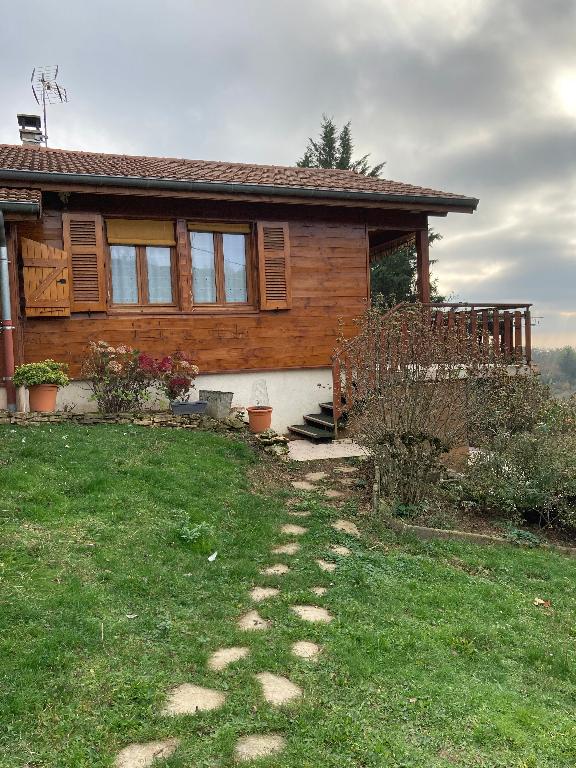 A 20 min Ambérieu en Bugey - Chalet en bois T4 sur terrain de 1 700 m²