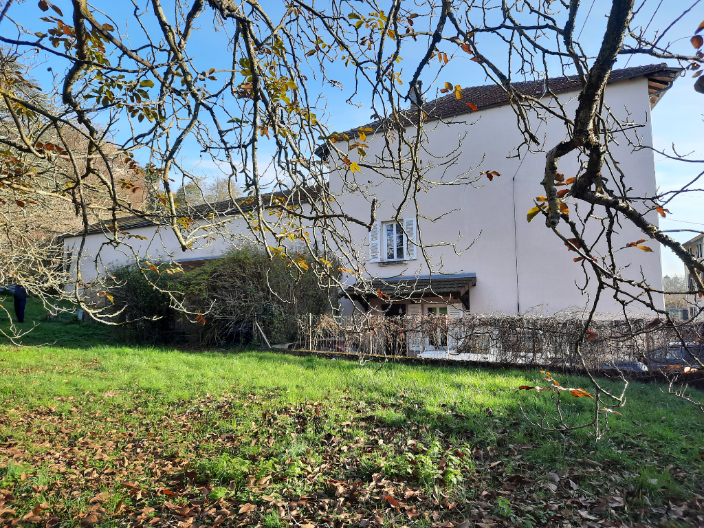 MEXIMIEUX - Maison de caractère de186 m² habitable et son terrain de 4500m²