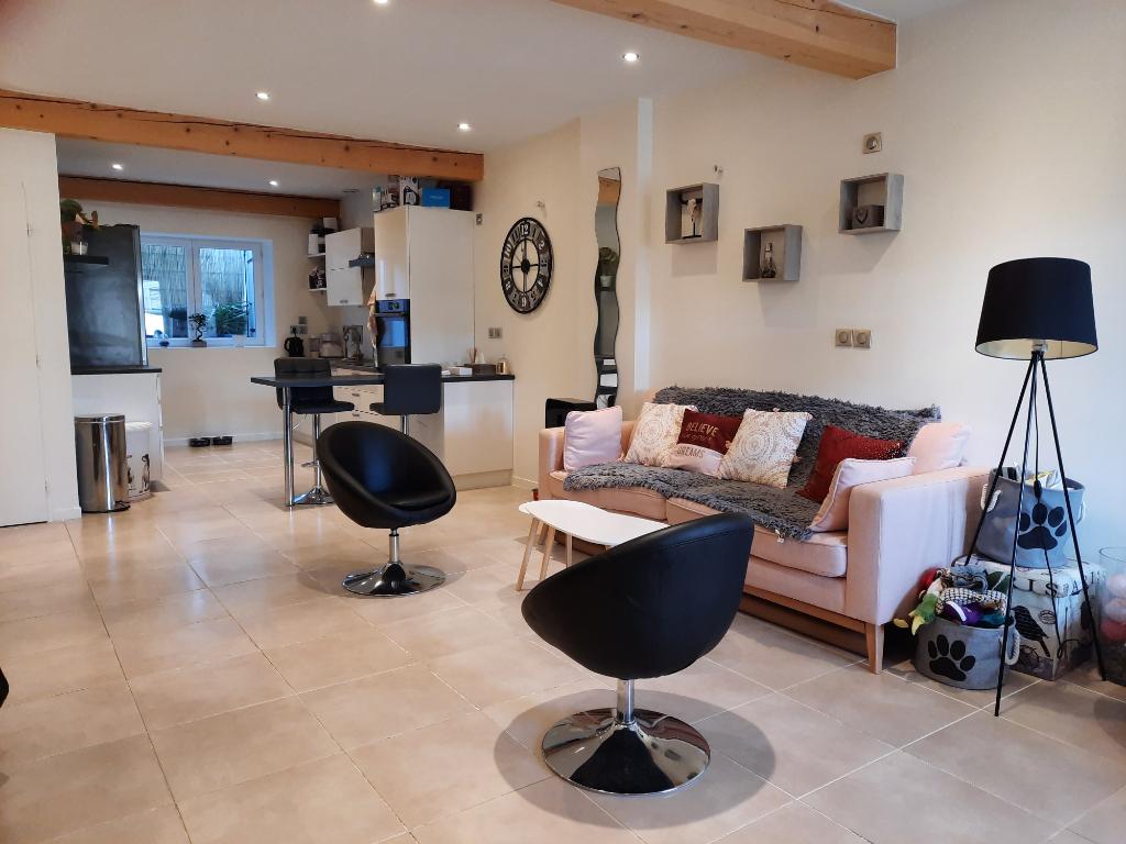 Secteur DAGNEUX- Maison de village T3 de 80 m² avec jardin