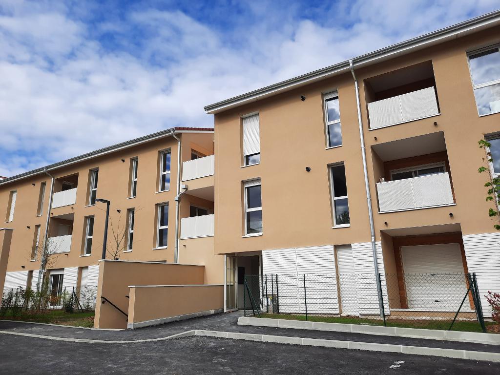 MONTLUEL - Bel Appartement T2 de 43,10 m² avec terrasse et garage