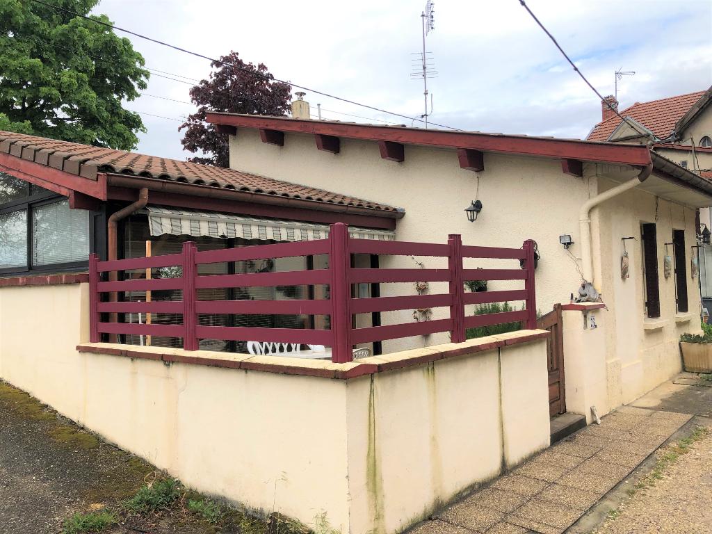 AMBERIEU EN BUGEY - Villa T5 de plain pied avec terrasse et grand garage
