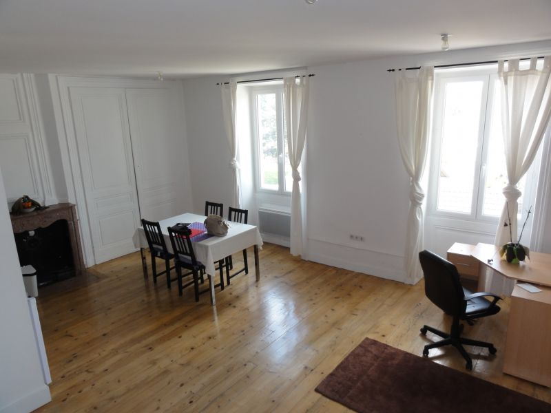 LAGNIEU - Appartement T2 MEUBLE