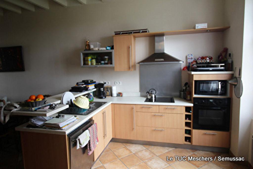 Maison Semussac 4 pièce(s) 135 m2