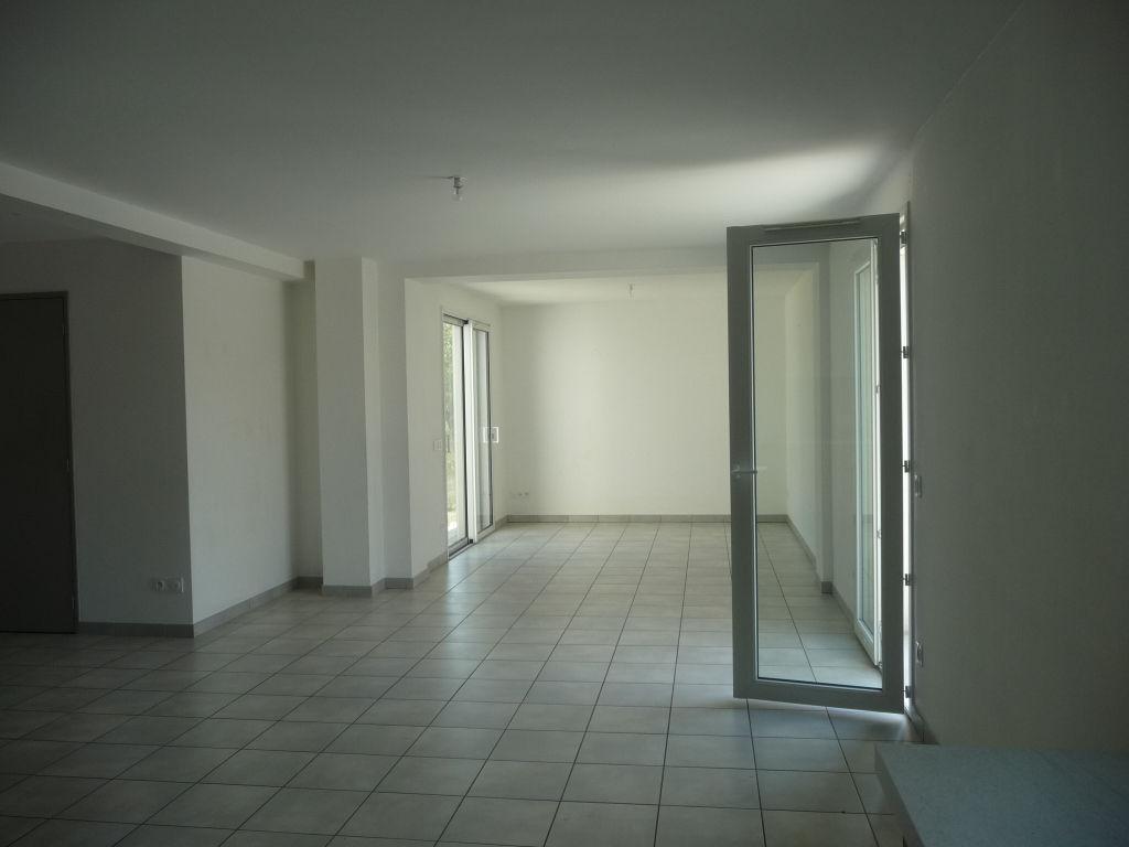 Maison Montbrison trois chambres 105 m2 terrain 519 m²