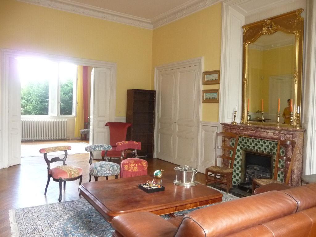 Maison Montbrison 9 pièce(s) 390 m2