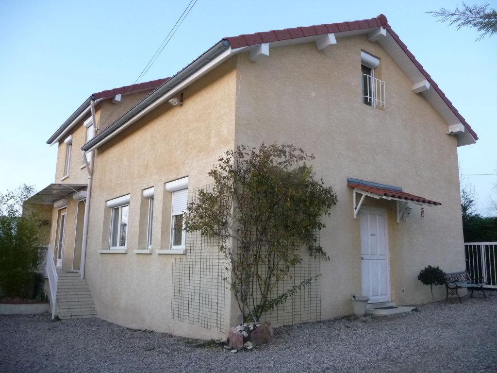 1H15 DE LYON Hauteurs de FEURS maison 160 m² terrain 1510 m²