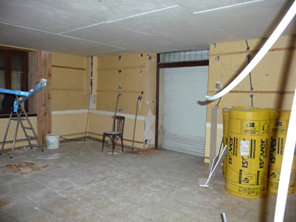 Montbrison proche de tout appartement de 80 m² à terminer.
