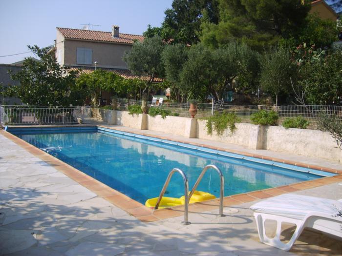 LA SEYNE SUR MER villa en bon état  de 7 pièces,  à la vente.