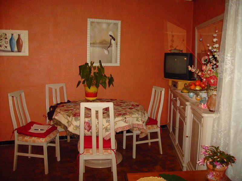 Ollioules : appartement composé d'un T2 et d'un studio .entrées séparées