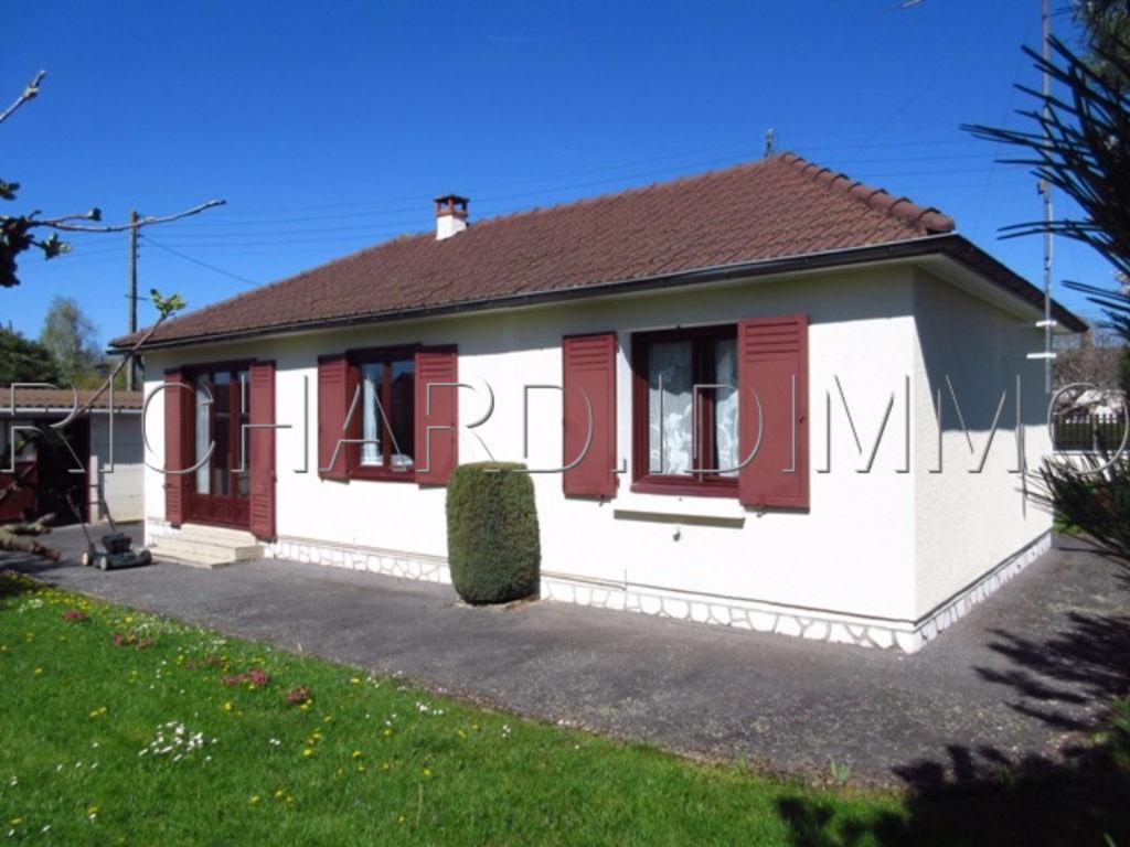 Maison A VENDRE sur Terrain de 910 m² + Dépendance