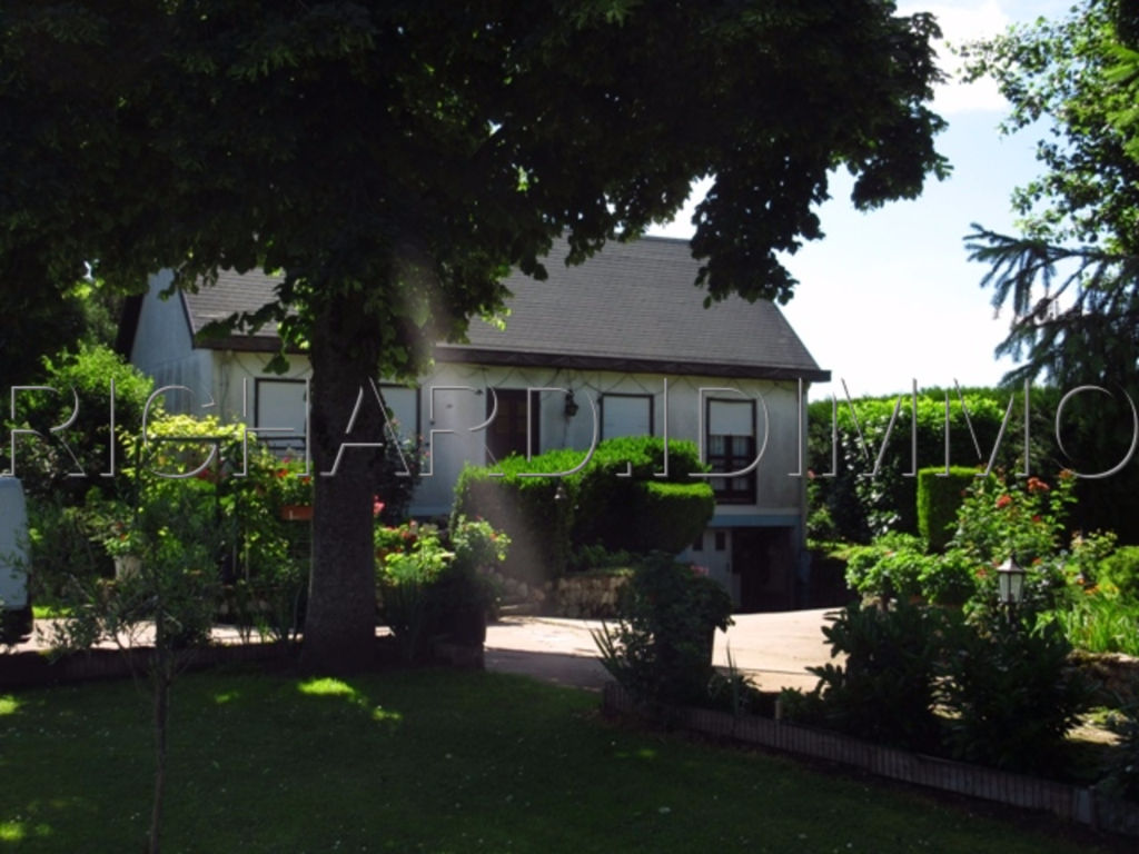 Maison A VENDRE sur 2409 m² de Terrain + Sous-Sol Total