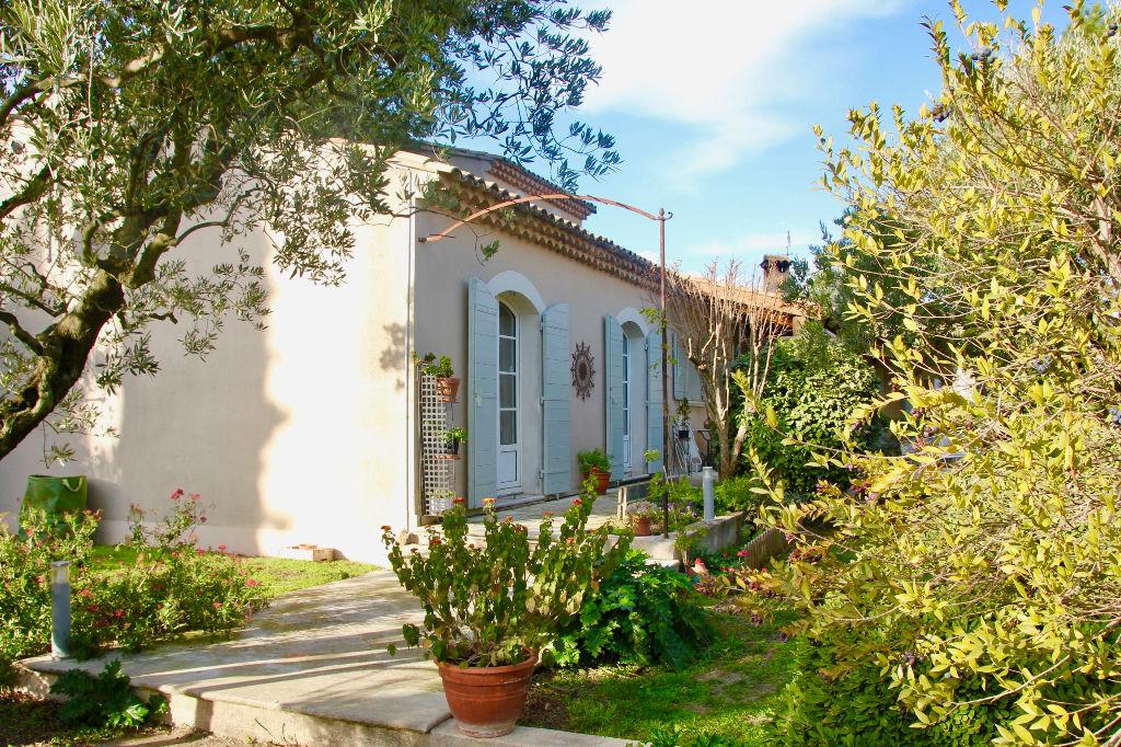 Villa de standing à Saint Saturnin Les Avignon