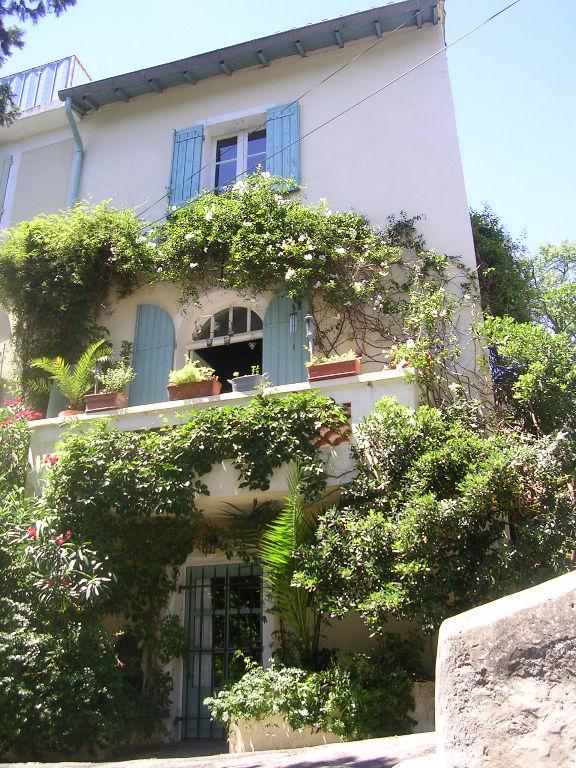 Belle maison de ville à Villeneuve Les Avignon