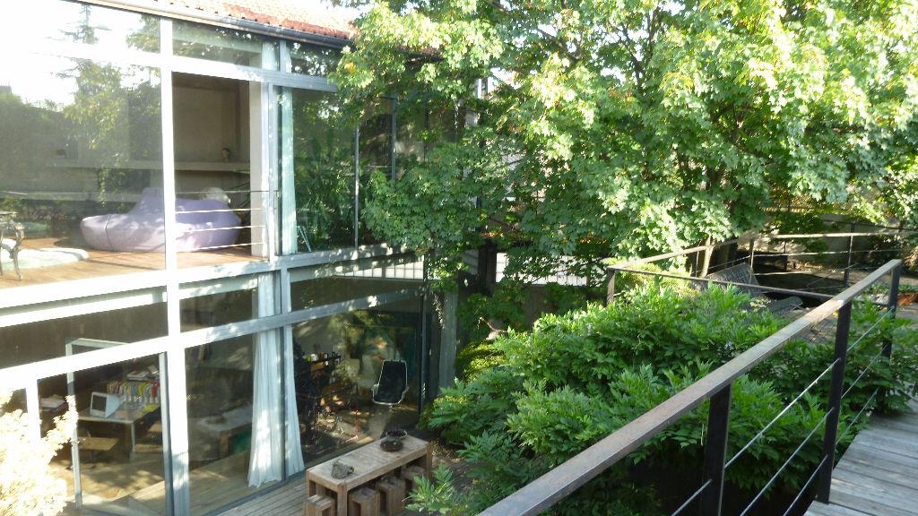 Maison  d'Architecte avec jardin et terrasses + de 7 pièce(s) 350 m2