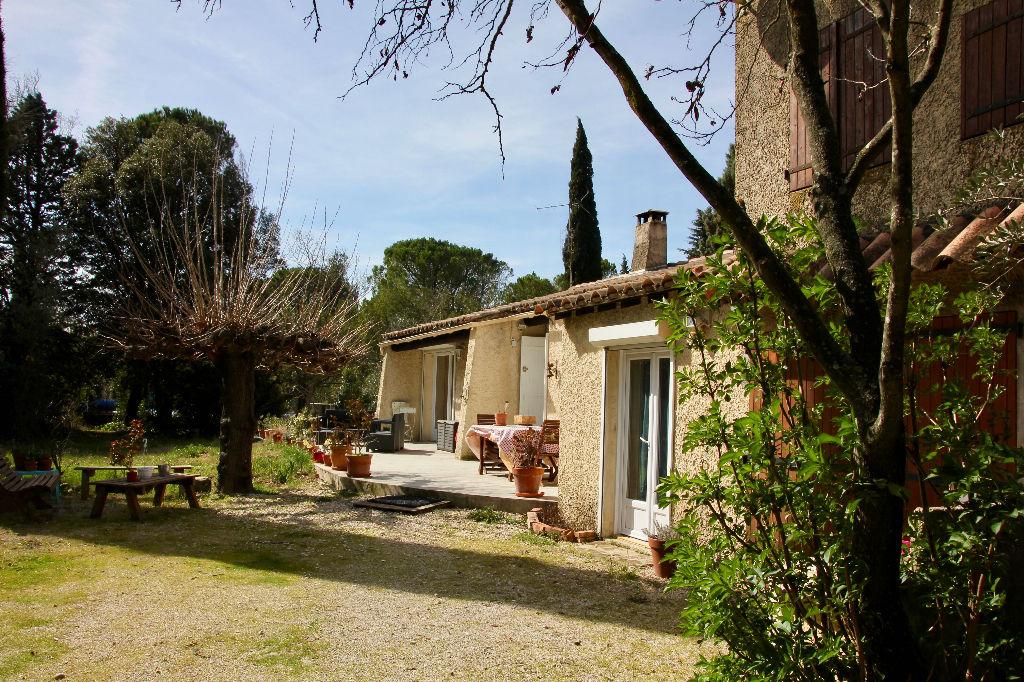 Villa  plain-pied 5 pièce(s) 121 m2  sur terrain 5000 m²