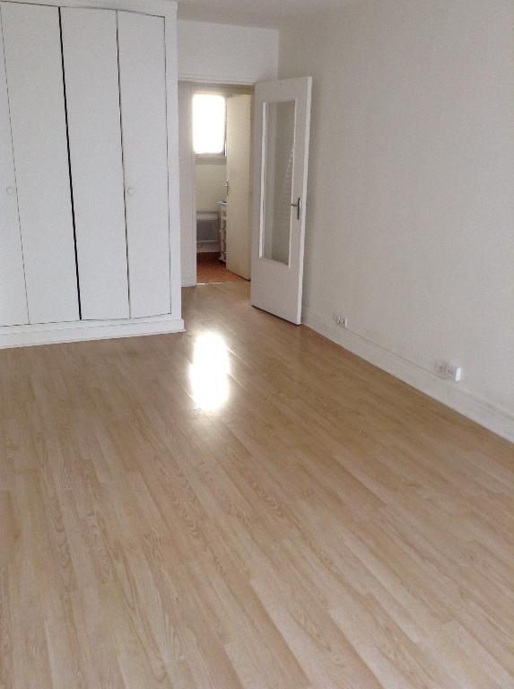 Appartement Montrouge 1 pièce(s) 26.50 m2