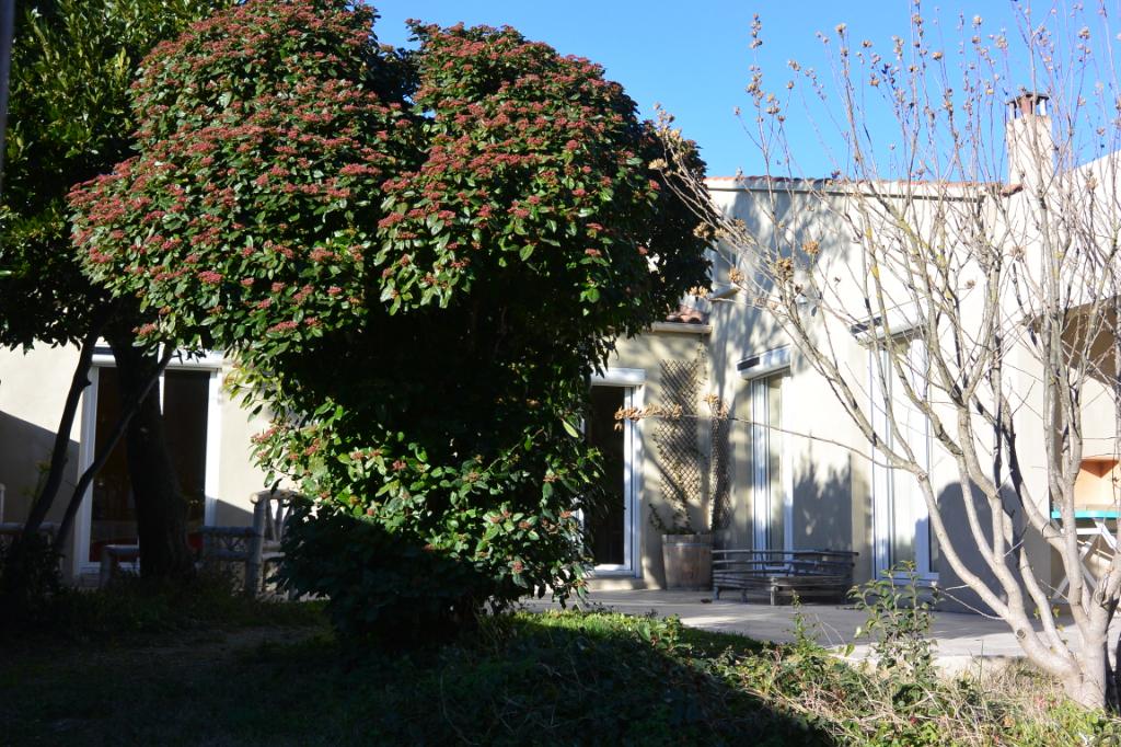 Villa  8 pièce(s) 140 m2 Villeneuve les Avignon