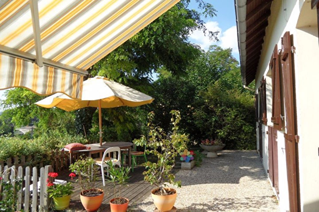 POITIERS NORD EST, MAISON DE CHARME de 116 m² sur 1200 m² de jardin paysagé