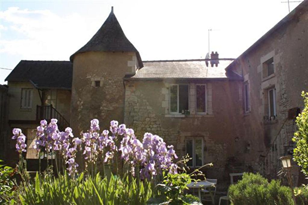 POITIERS NORD-EST MAISON du XVIIème siècle rénovée de 195 m² avec 5 chambres
