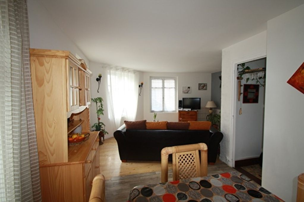 POITIERS CHILVERT APPARTEMENT TYPE 2 GRAND SEJOUR