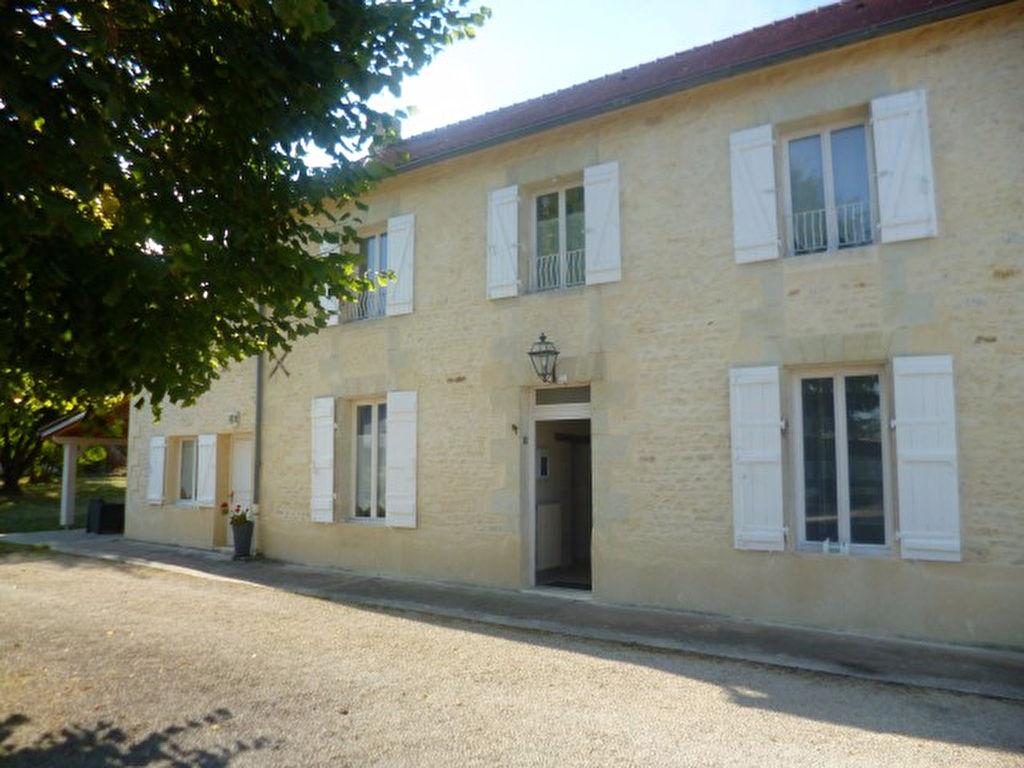 Maison Jaunay Clan 8 pièce(s) 210 m2