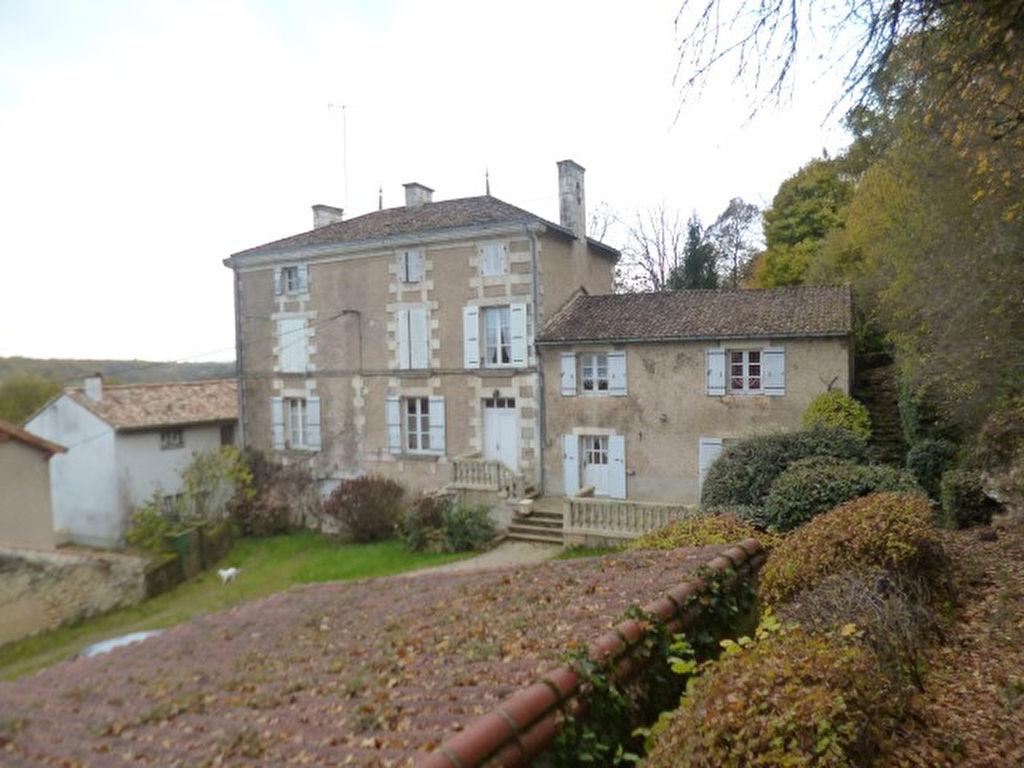 Maison Iteuil 8 pièce(s) 309 m2
