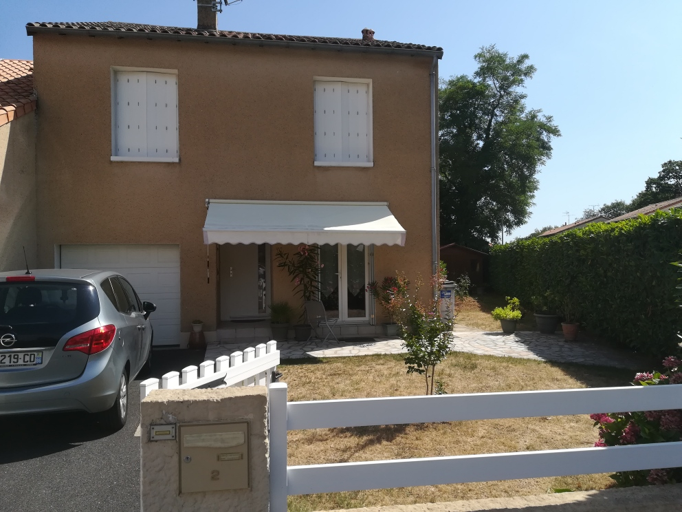 MAISON ST BENOIT 5 PIECES 112M2