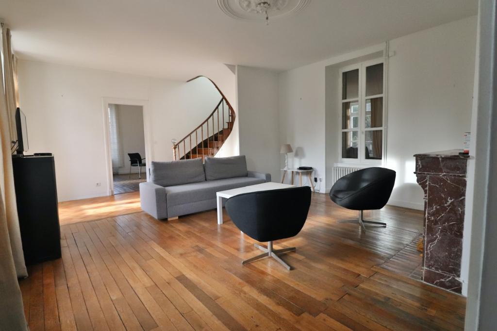 Maison Neuville De Poitou 9 pièce(s) 290 m2