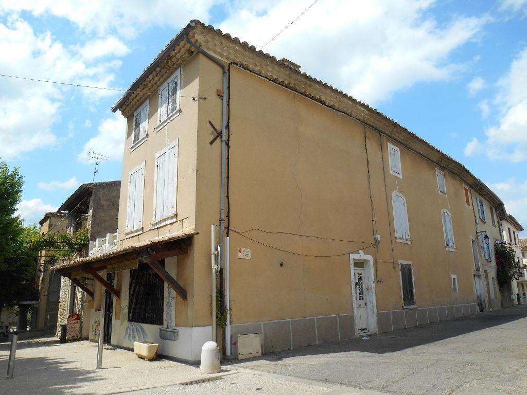 Maison Saint Paulet De Caisson 6 pièce(s) 200 m2