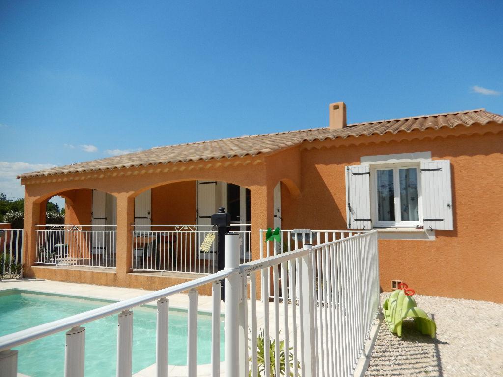 PONT SAINT ESPRIT, villa plain pied  récente 3 chambres, piscine