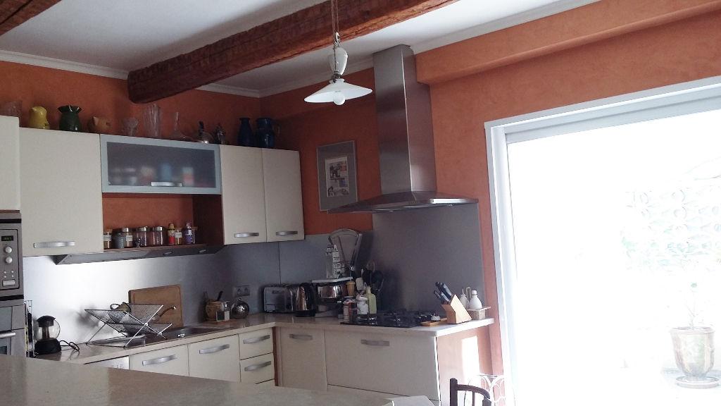 Maison Pont Saint Esprit 6 pièce(s) 140 m2