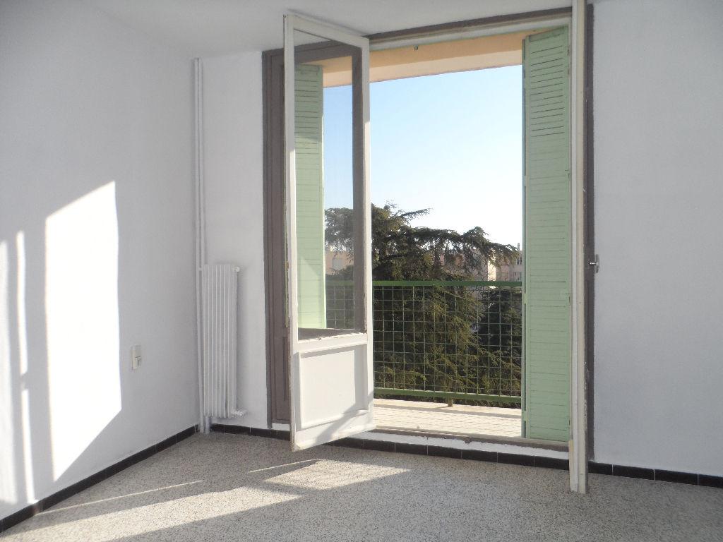 Appartement Pont Saint Esprit 4 pièce(s) 65 m2