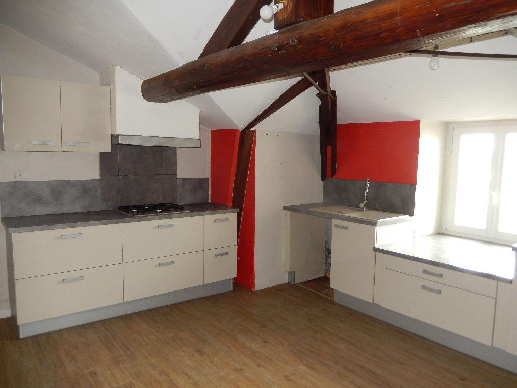 Appartement Pont Saint Esprit 67 m2