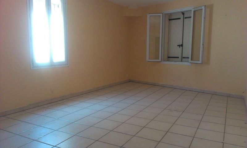 photo de Appartement a louer JONQUIERES SAINT VINCENT