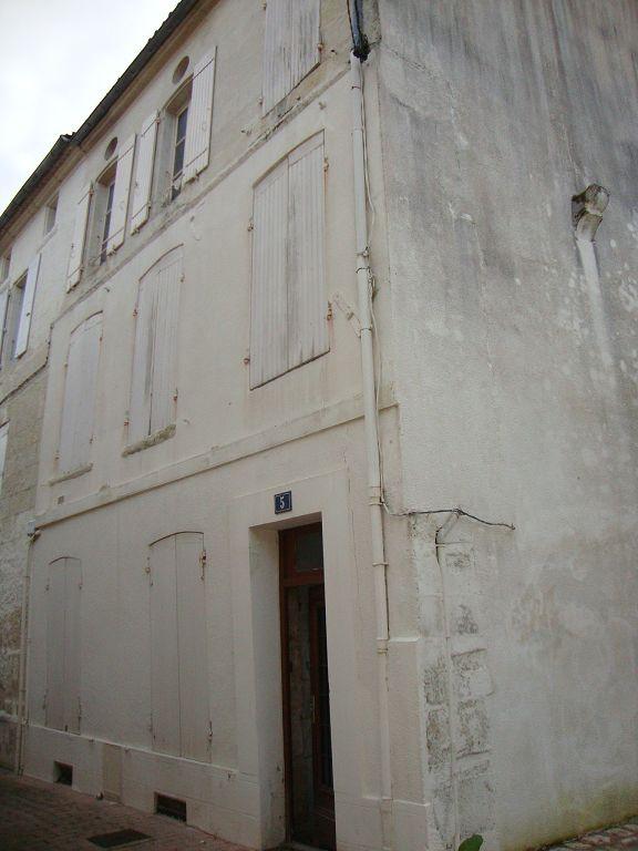 Saintes rive gauche - Immeuble à rénover