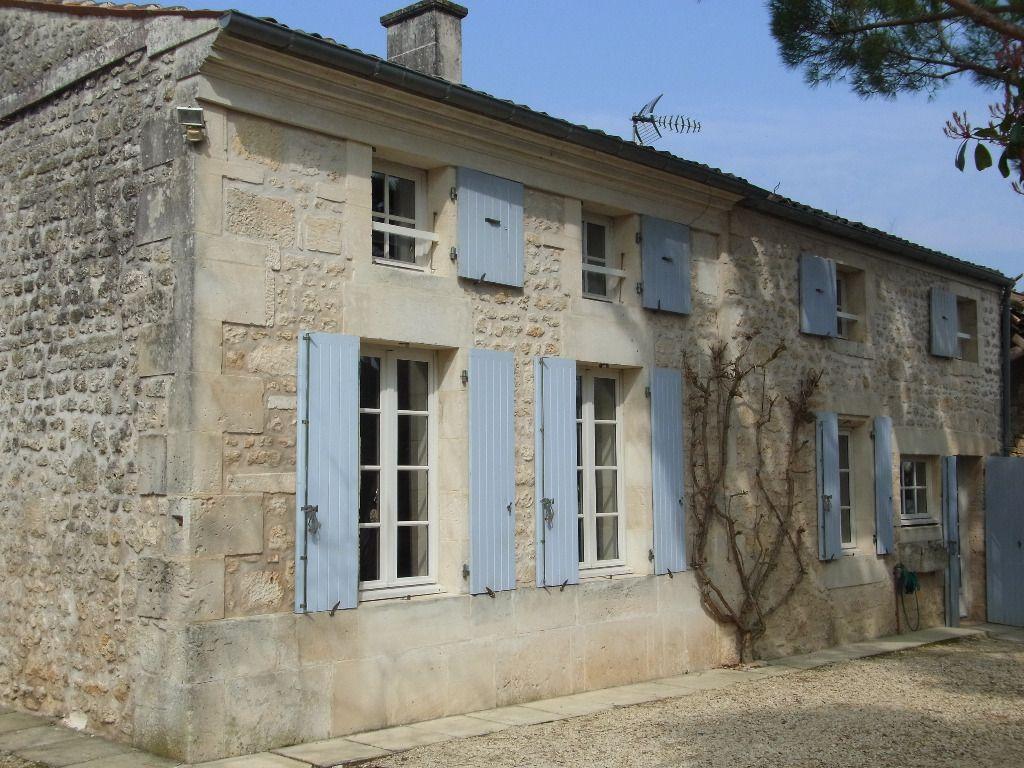 Proche Pont l'Abbé d'Arnoult (17) - Très belle maison charentaise