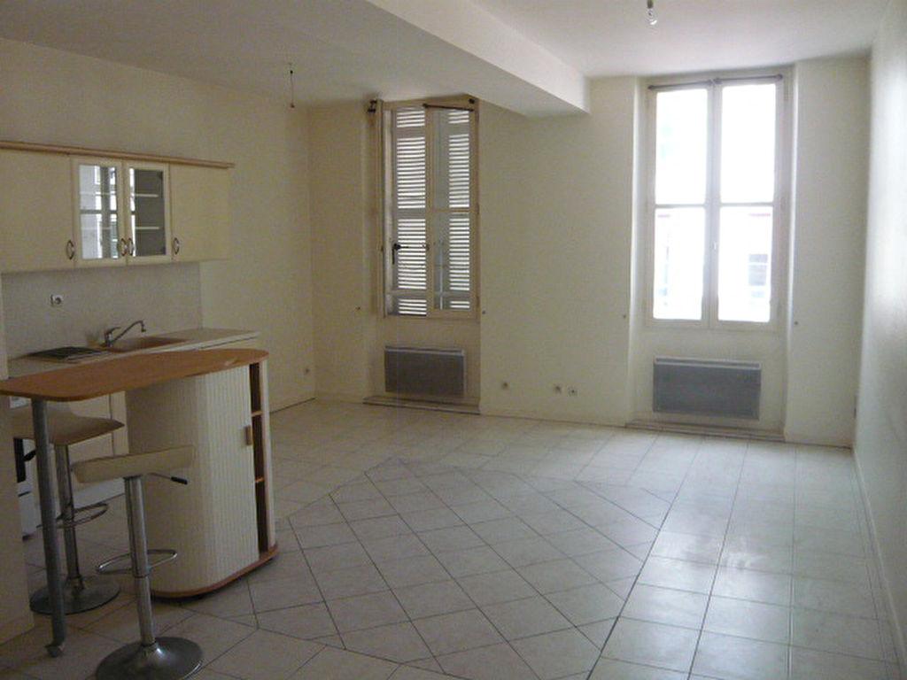 Appartement Saintes (17) - T3 de 60 m2