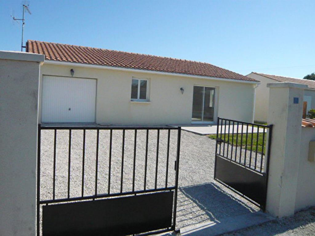Maison de plain pied 85 m² à Sainte Même (17)