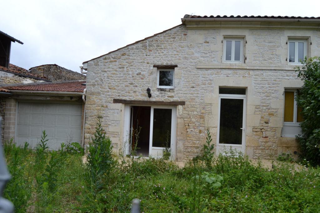 Maison charentaise à Saint Hilaire De Villefranche (17)
