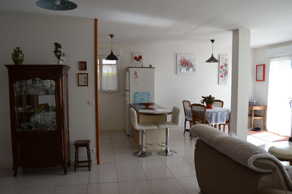 Appartement T3 Saintes rive gauche avec jardin et garage