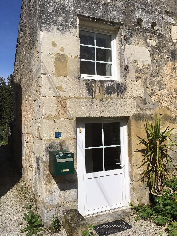 Maison  de village à Chaniers