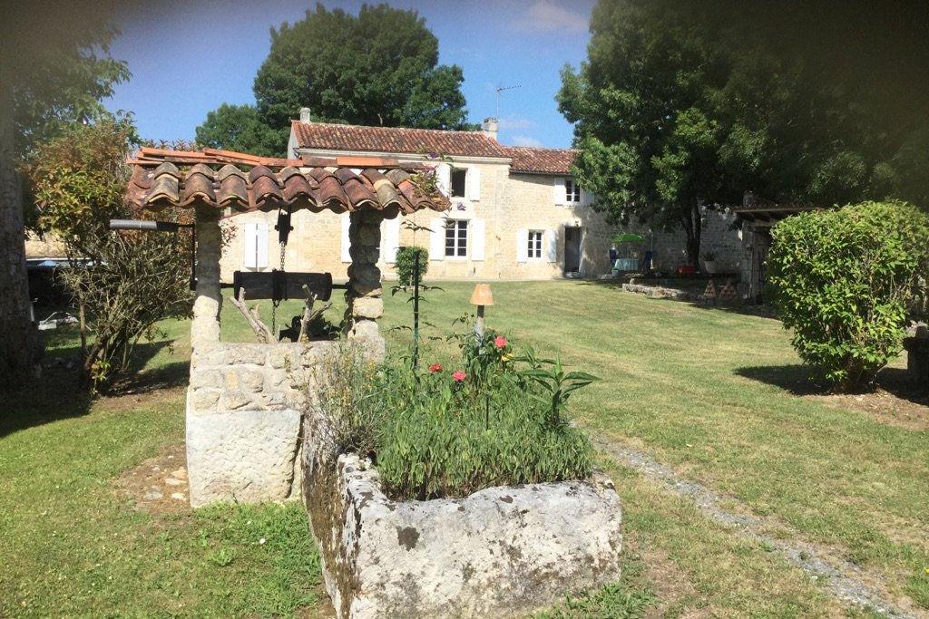 Maison charentaise proche de Saint Savinien