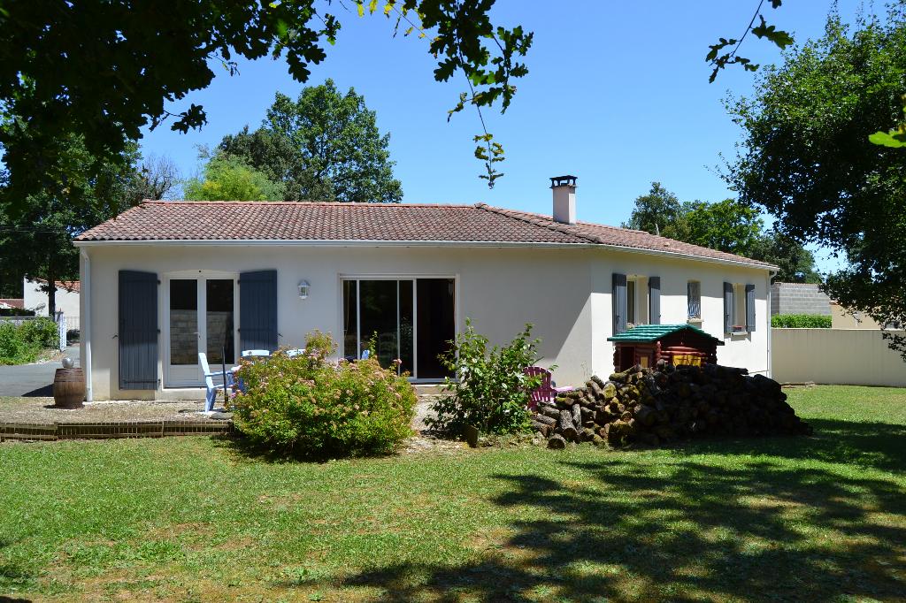 Maison de plain-pied à Saint Porchaire (17)